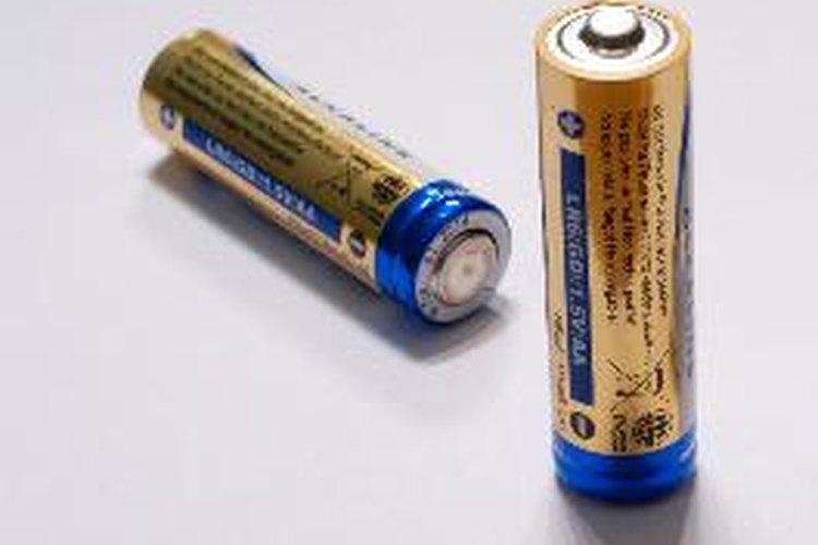 Las baterías se clasifican según su voltaje y corriente.