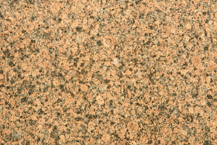 Las encimeras de granito durables dan un toque de estilo a cualquier cocina.