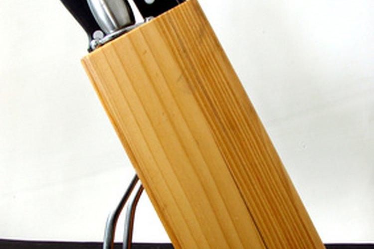 Las cuchillas de cerámica tienen algunas ventajas en comparación a las de acero inoxidable.