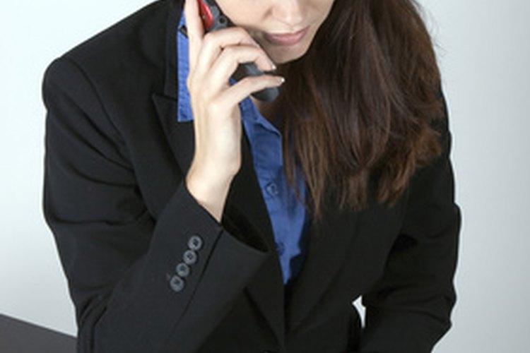 Un asistente de comunicaciones juega un papel clave en un departamento de comunicaciones.