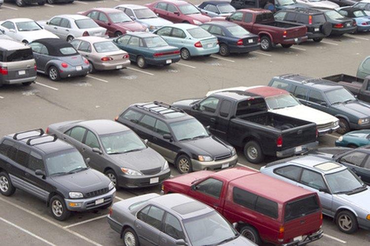 Los estacionamientos ayudan a resolver problemas de estacionamiento urbanos y suburbanos.
