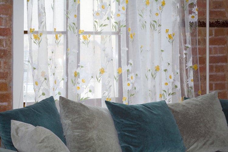 La tapicería y la madera crean una gran porción del mobiliario de las personas.