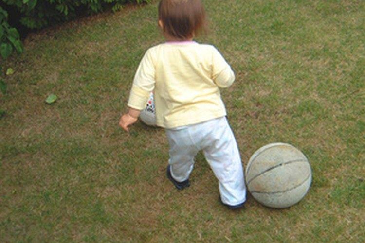 Una buena niñera entretendrá y cuidará de tu hijo.