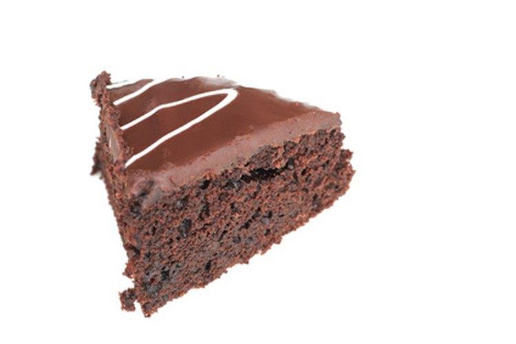 Las mezclas para pasteles vienen en una variedad de sabores, incluyendo chocolate.