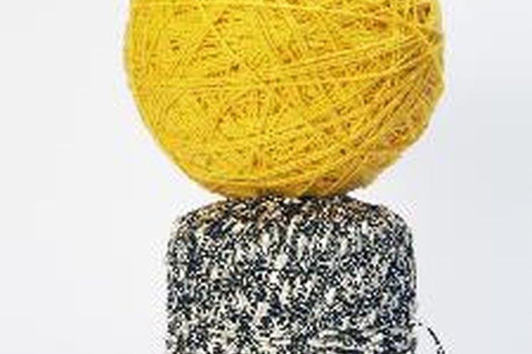 La ropa tradicional irlandesa es plegada y hecha de lana.