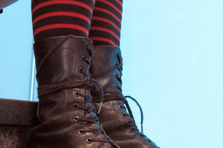 Evita que las medias se deslicen dentro de los zapatos.