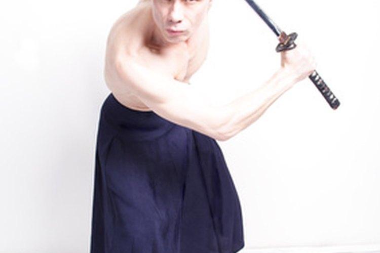 Nota la diferencia entre una espada samurái auténtica y una falsa.