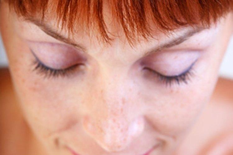 El cabello caoba está en el intervalo del color rojo mediano