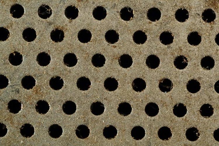 Estos agujeros están my cerca entre sí para la instalación de remaches de acuerdo a las circular de advertencia de la FAA 43.13-1B CHG 1.