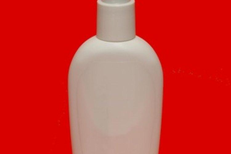 Los productos para estilizar a menudo contienen aceite de silicona sintético.