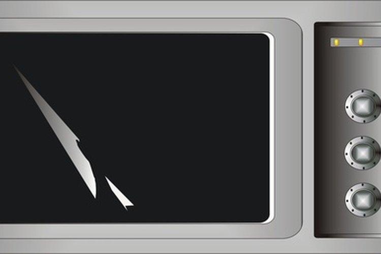 Un microondas que se usa necesita una limpieza ocasional.