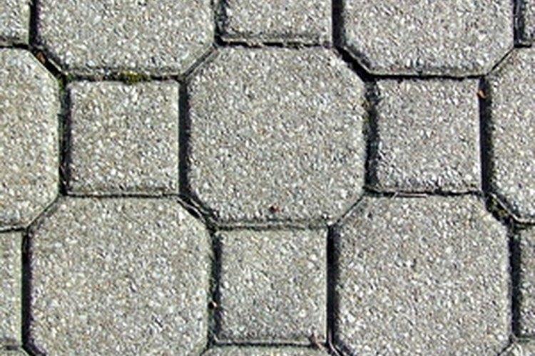 Utiliza baldosas de concreto para crear un estilo y diseño únicos.
