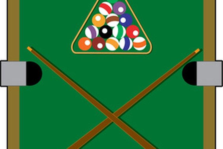 Los bolsillos deben estar simétricamente dispuestos alrededor del perímetro de la mesa.
