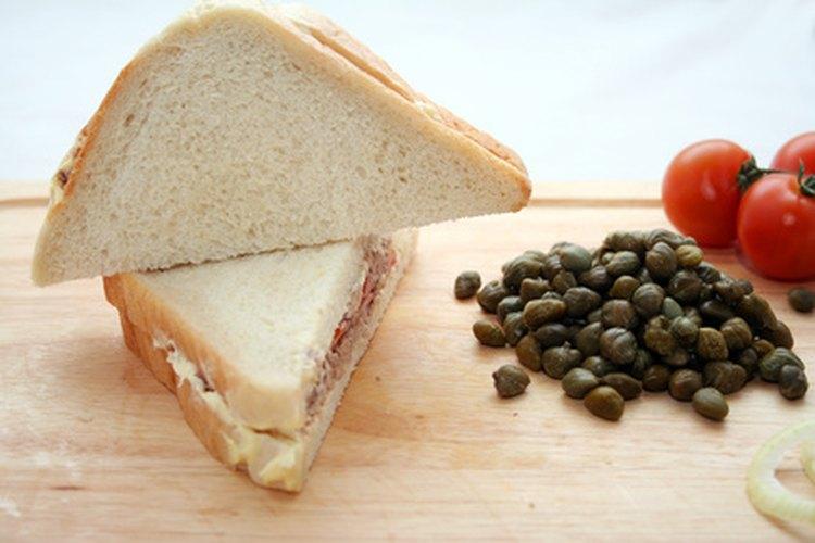 Los sándwiches de carnes frías son deliciosos.
