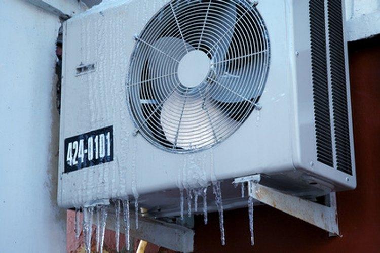 Cuando el motor del condensador no funciona, este último no puede disipar el calor, provocando que la unidad no enfríe.