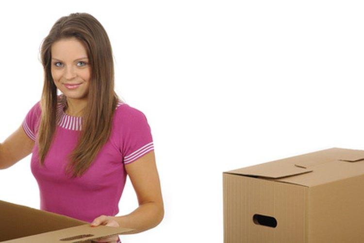 Mantén las cajas pequeñas cuando empaques libros pesados.