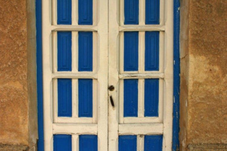 Algunas puertas se abren hacia afuera y otras hacia adentro.