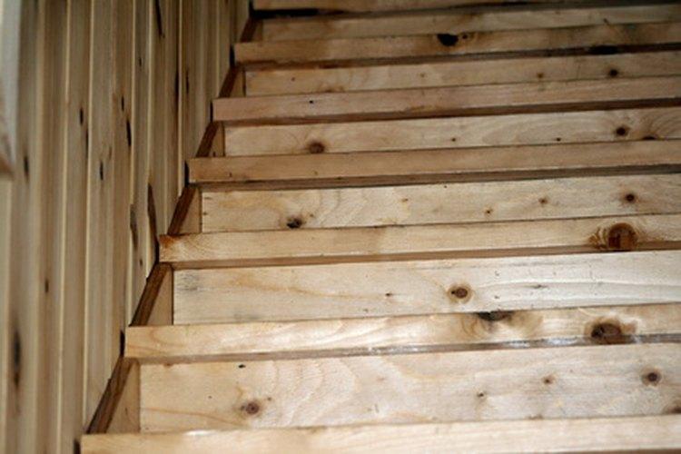 Tanto el bambú como la madera pueden ser resbalosos.