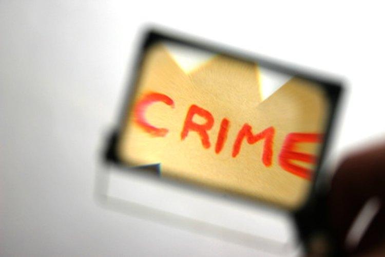 Los científicos forenses dedican su tiempo a la resolución de crímenes.