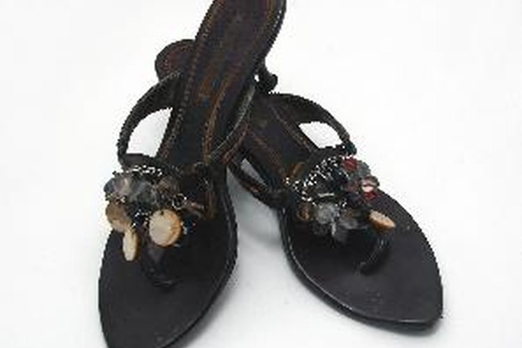 Puedes usar sandalias, zapatos bajos o botines.