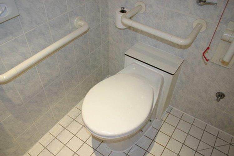 Los diseños de baños y sanitarios para discapacitados deben cumplir con los estándares ADA.