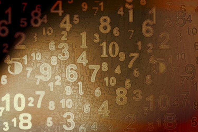 Gran parte del trabajo de un contador es evaluar y calcular números en estados financieros.