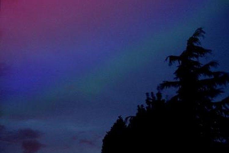 Qué produce los distintos tonos de  luces.