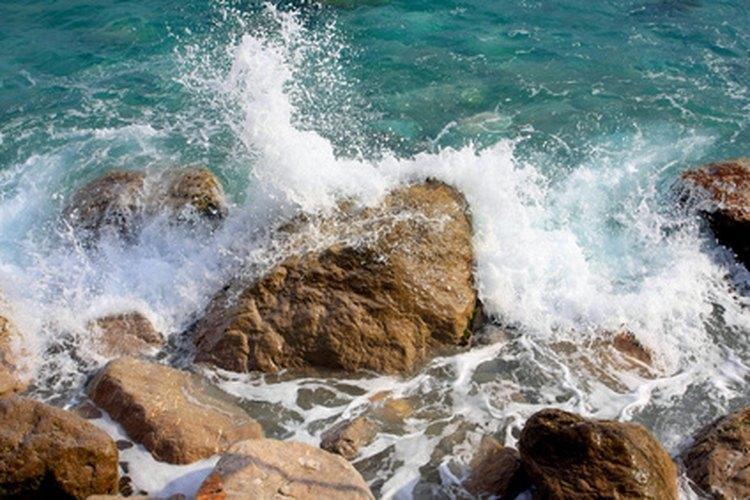 La conductividad es una medida de la salinidad en el agua.