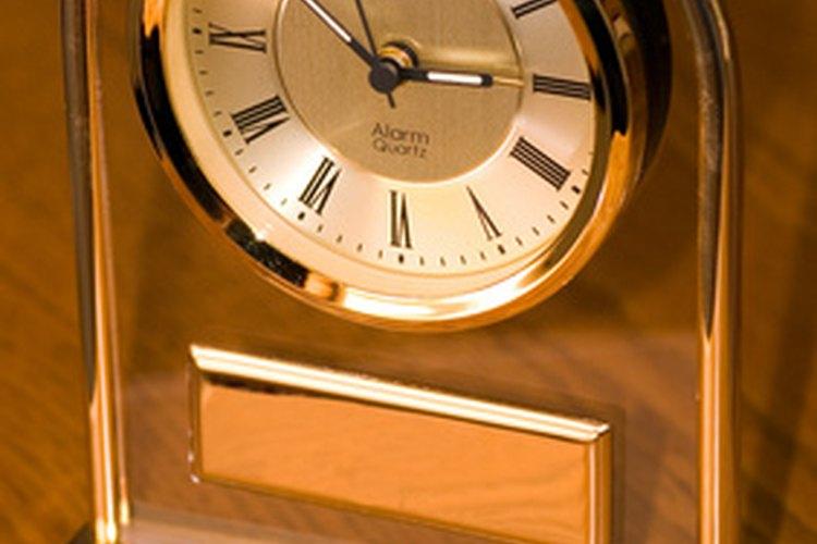 Los movimientos de un reloj de cuarzo sin económicos y muy fiables.