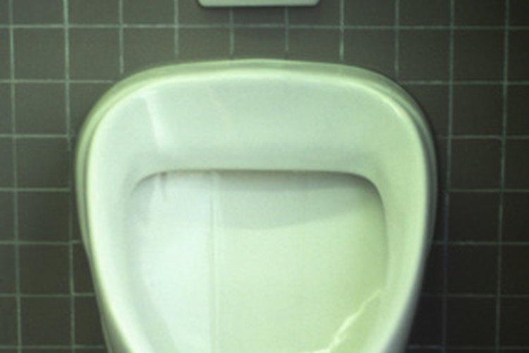 Un urinario de pared puede ser una opción ecológica.