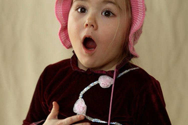 A los niños les encanta cantar.