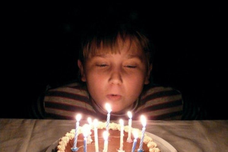 Hoy en dia muchas personas se detienen a pedir un deseo antes de soplar sus velas.