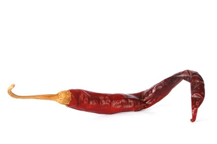 La capsaicina le da a los chiles su picante y es soluble en grasa.