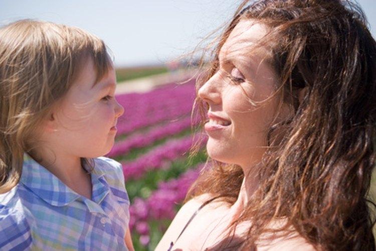 Permanecer emocionalmente disponible para tu hijo significa entender tus nuevos sentimientos.
