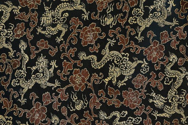 El antiguo símbolo chino del dragón puede ser incorporado a telas modernas.