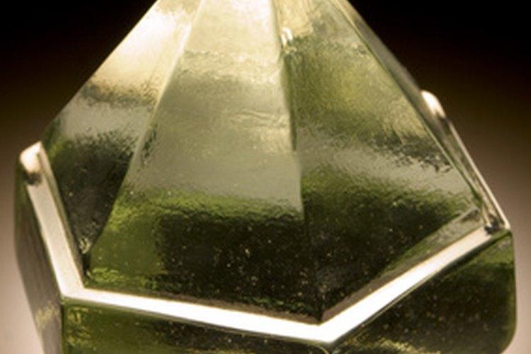 Una pirámide de cristal.