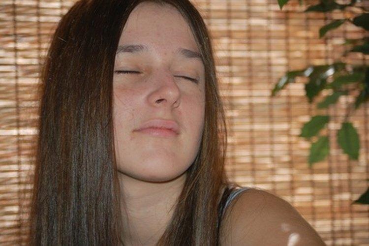 MayoClinic.com informa que muchos adolescentes experimentan con drogas y alcohol.