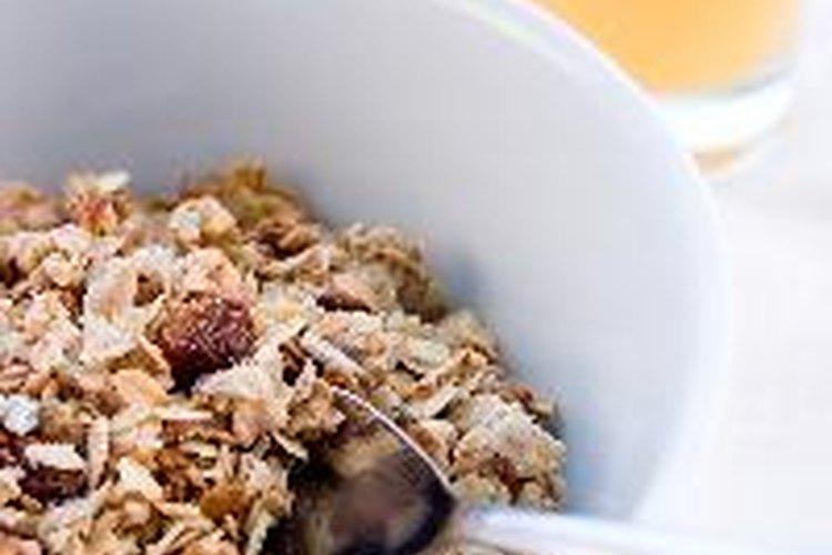 Los altos contenidos de fibra y agua de la avena la hacen un alimento saludable.