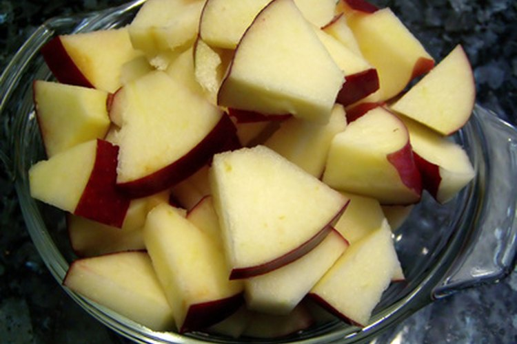 Los pequeños trozos de alimentos se harán puré más fácilmente que los trozos grandes.