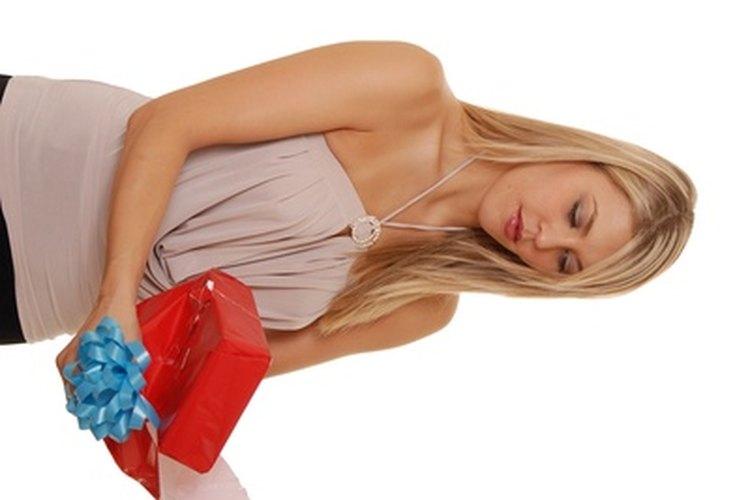 Los regalos deben ser abiertos en público