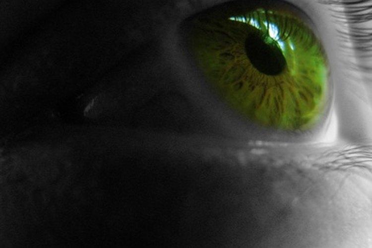 Luego de una cita con el oftalmólogo de una hora puedes conseguir una receta para lentes de contacto.