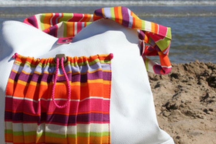 Las bolsas de tela son una alternativa más que válida a la hora de evitar el uso del plástico.