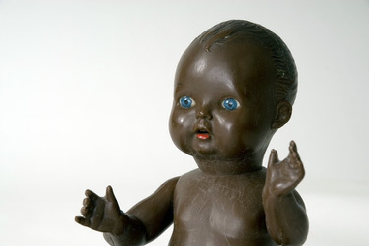 Las muñecas y figuras de acción deberían representar diferentes razas.