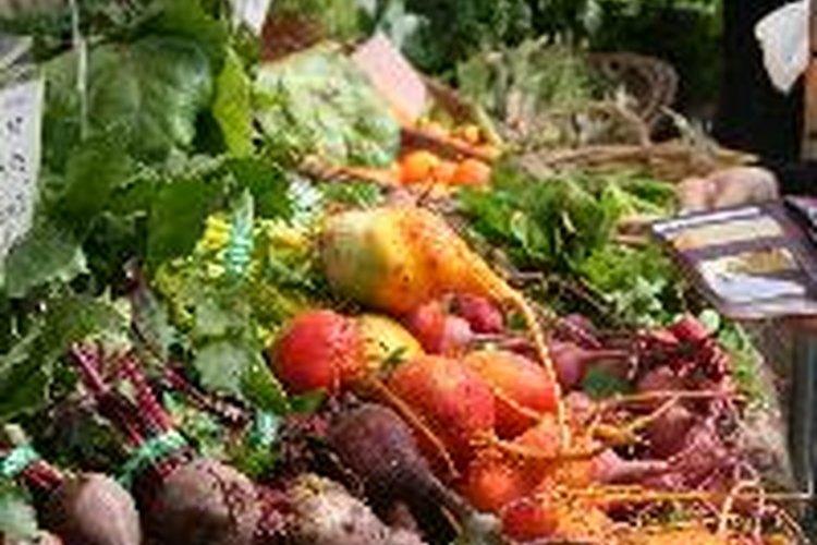 Una variedad de alimentos pueden aumentar la producción de bilis.