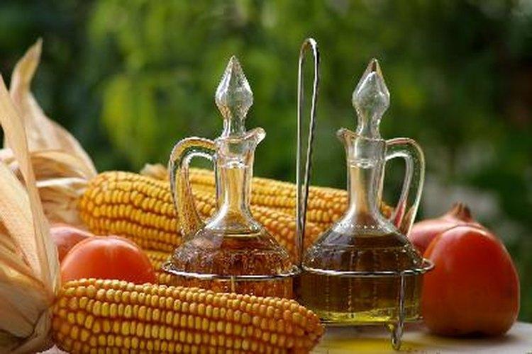 Se dice que consumir vinagre de manzana Bragg regularmente tiene muchos beneficios para la salud.