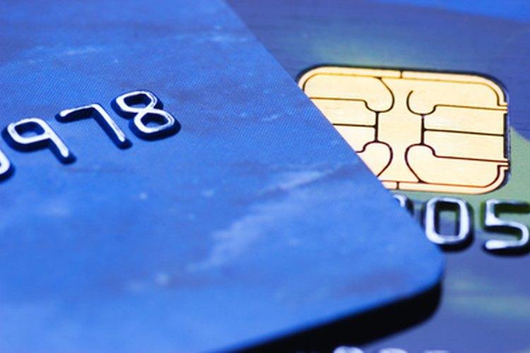 Una de las formas más sencillas de ahorrar dinero en el cambio entre el euro y sus valores fluctuantes, es una tarjeta de débito de crédito directo.