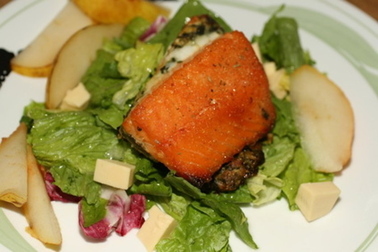 Los pescetarianos disfrutan de varios platillos de mariscos.