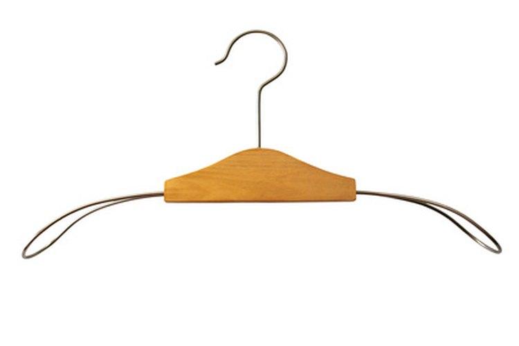 Evita gruesos ganchos de alambre que pueden ser más difíciles de doblar.
