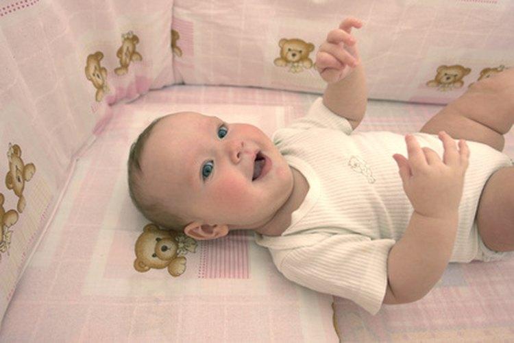Conseguir que un bebé duerma en su cuna requiere persistencia.