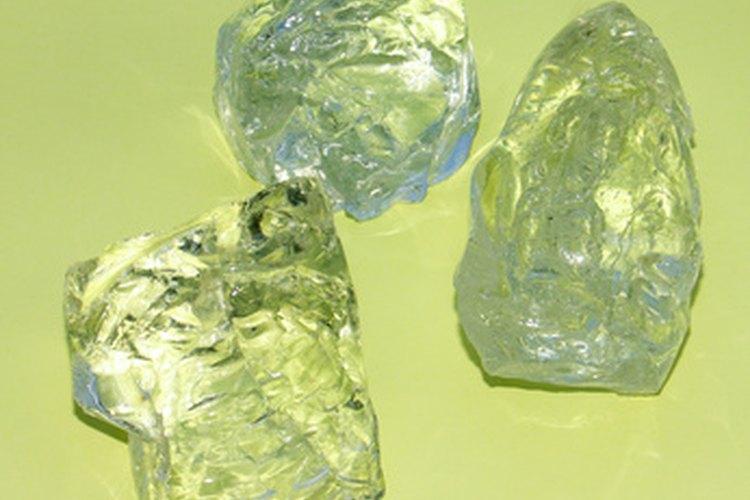Diferenciar un diamante Herkimer de cuarzo ordinario puede ser un proceso duro.